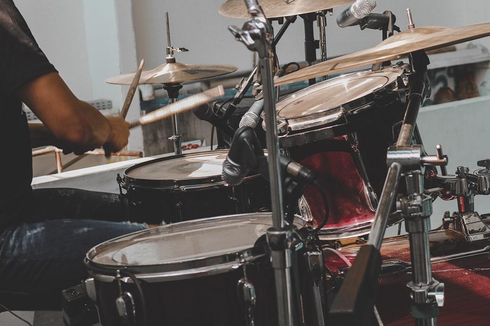 partes de una bateria de musica